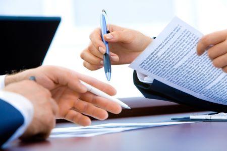 Mietbürgschaft: Unterzeichnung einer Mietbürgschaftserklärung