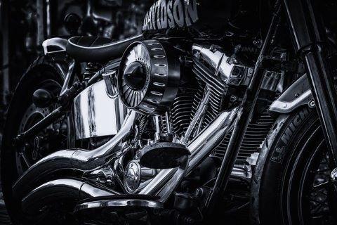 Harley Davidson, die mit einem günstigen Motorradkredit gekauft worden ist