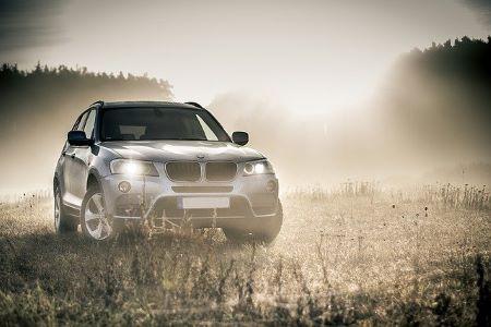 SUV der Marke BMW, der über einen Ballonkredit finanziert werden kann