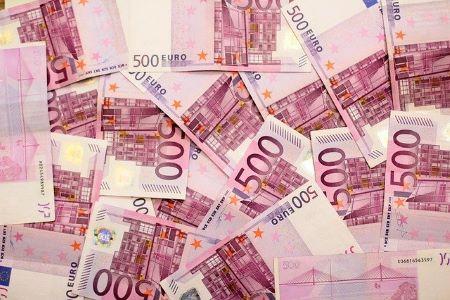 10000 Euro Kredit in 500 Euro Scheinen: Sie benötigen 10000 Euro? Beantragen Sie gleich jetzt einen ebenso günstigen wie flexiblen Kredit iHv 10000 Euro!