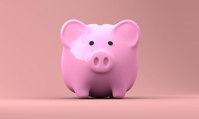 Rosa Sparschwein: Sparen Sie viel Geld, indem Sie eine Targobank Umschuldung vornehmen und teure Kredite ablösen!