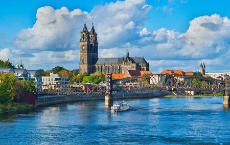 Die schöne Stadt Magdeburg an der Elbe: Wer schnell und SCHUFA-frei Geld benötigt, sollte sich überlegen, ein Leihhaus Magdeburg aufzusuchen, um dort unkompliziert und ohne Bürokratie einen Pfandkredit aufzunehmen!