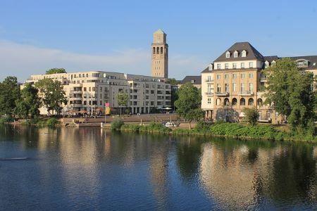 Rathaus von Mülheim an der Ruhr: Wenn Sie einen SCHUFA-freien Kredit ohne Nachweise benötigen, dann können Sie diesen in einem Leihhaus Mülheim an der Ruhr erhalten!