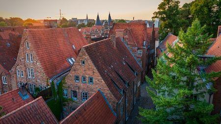 Altstadt von Lübeck: Wenn Sie schnell und unkompliziert Kredit erhalten möchten, sollten Sie ins Leihhaus Lübeck gehen!
