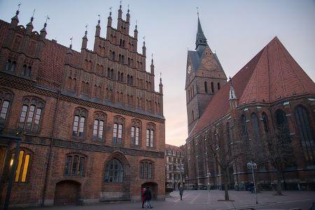 Historische Altstadt in Göttingen: Sie benötigen schnell Bargeld? In einem Leihhaus Göttingen können Sie einen Sofortkredit ohne SCHUFA und Gehaltsnachweise erhalten!