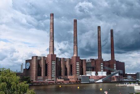 Volkswagenwerk in Wolfsburg: Sie leben in Wolfsburg und benötigen dringend einen Kredit ohne SCHUFA und ohne Bürokratie? Schauen Sie doch mal im Leihhaus Wolfsburg vorbei!